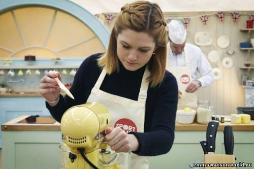 Бонни научит печь пироги