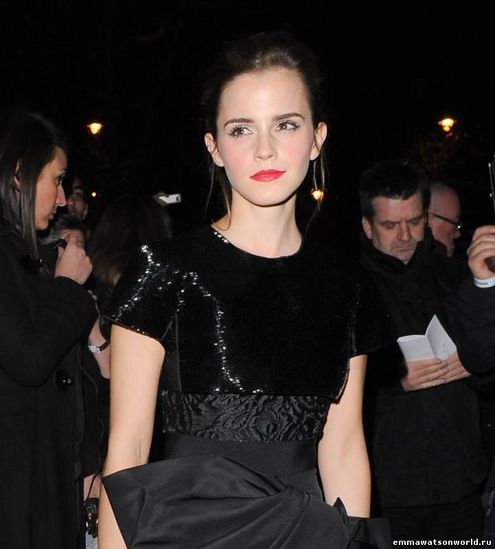Прибытие на Elle Style Awards